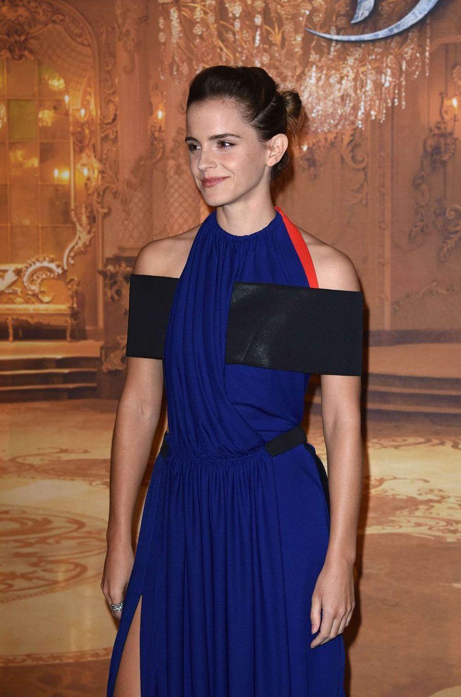 """Emma Watson à l'avant-première de """"La Belle et la Bête"""" à Paris, le 20 février 2017."""