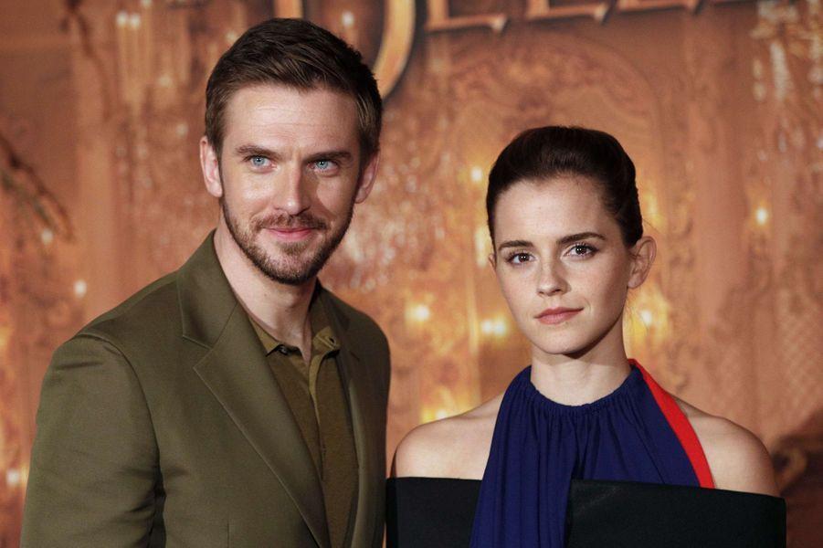 """Emma Watson et Dan Stevens à l'avant-première de """"La Belle et la Bête"""" à Paris, le 20 février 2017."""