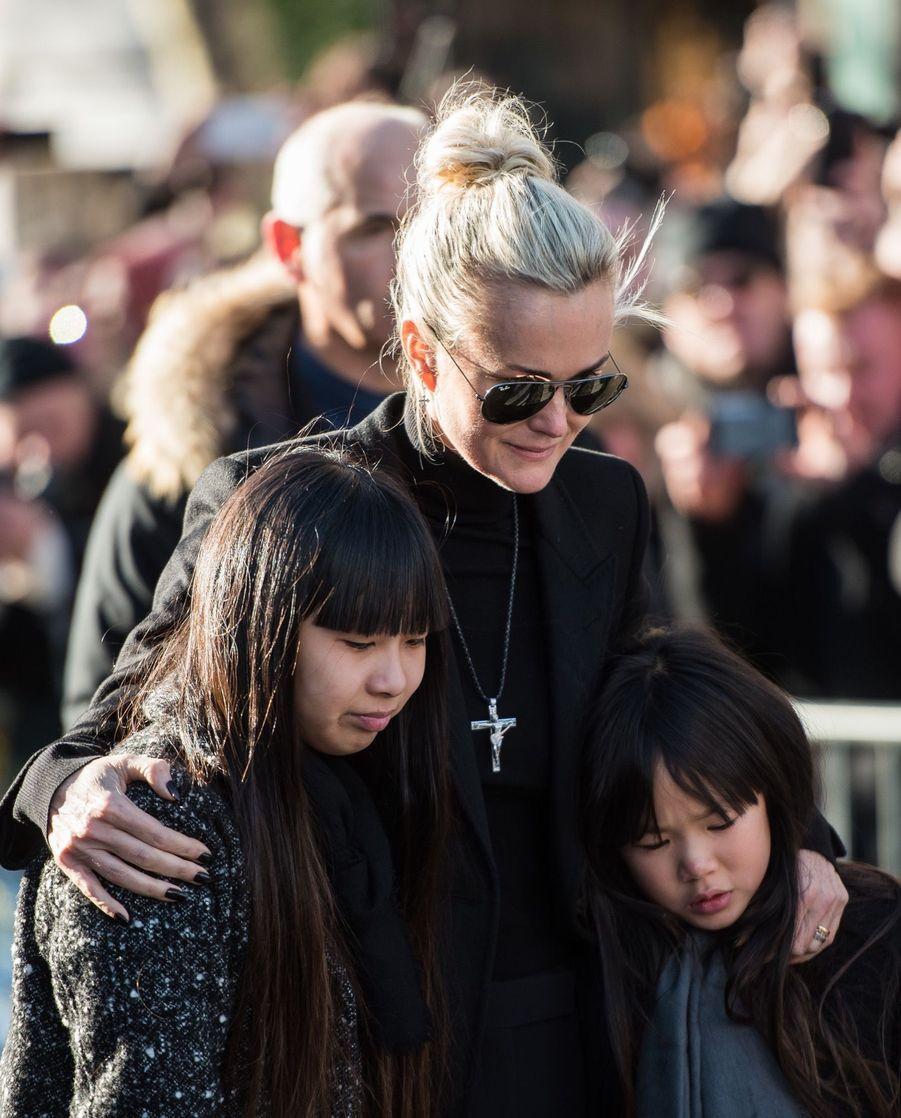 Jade et Joy rendent hommage à leur père Johnny Hallyday.