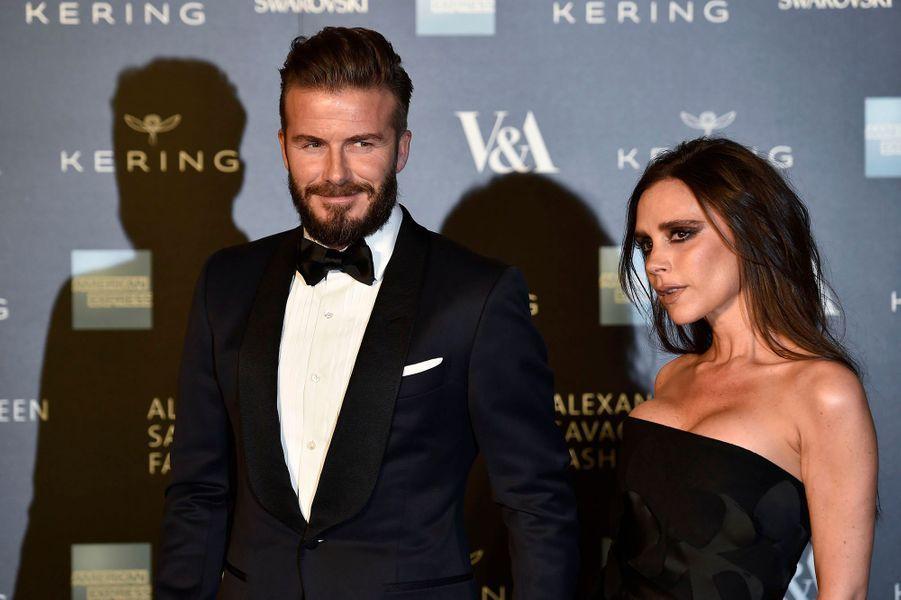 David et Victoria Beckham sont mariés depuis 1999. Ils ont quatre enfants,trois fils et une fille.