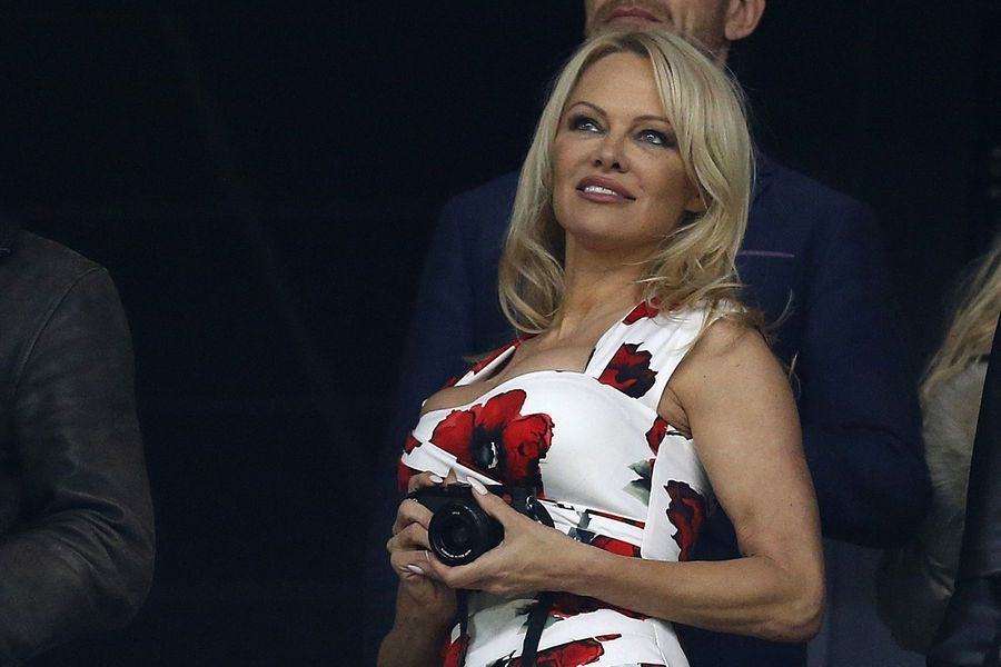 Pamela Anderson a emménagé à Marseille pour se rapprocher de son amoureux, Adil Rami.