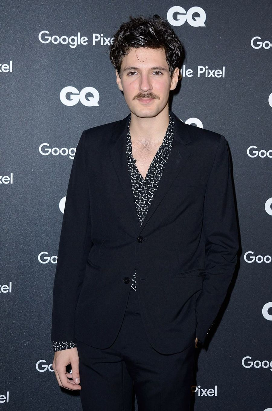Vincent Lacoste à la soirée GQ Hommes de l'année, à Paris, lundi 26 novembre