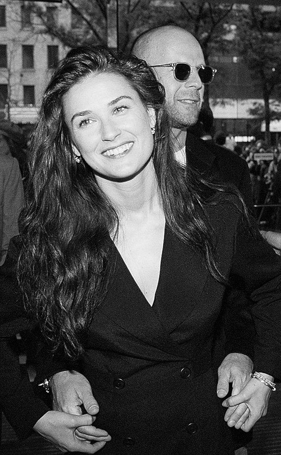 """Bruce Willis et Demi Moore à la première du film """"Une journée en enfer"""", le 15 mai 1995 à New York."""