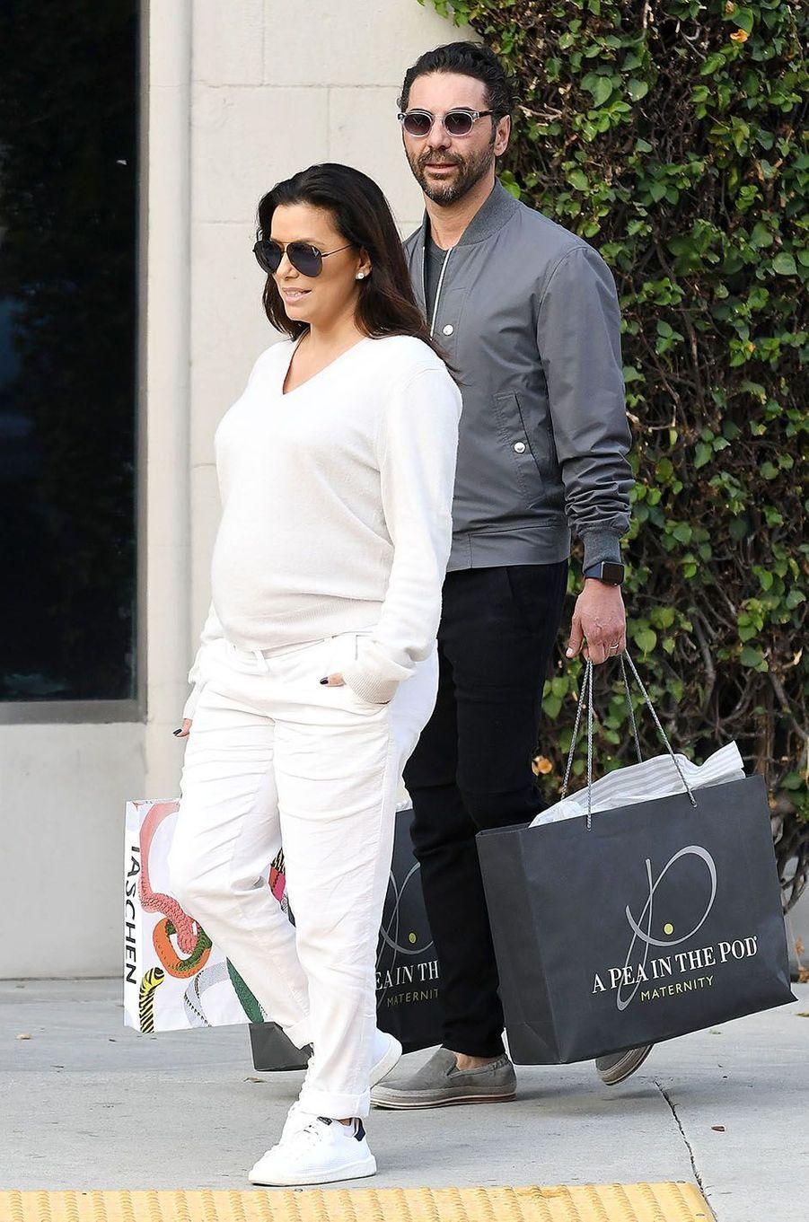 Eva Longoria et José Antonio Baston dans les rues de Los Angeles, le 11 février 2018.