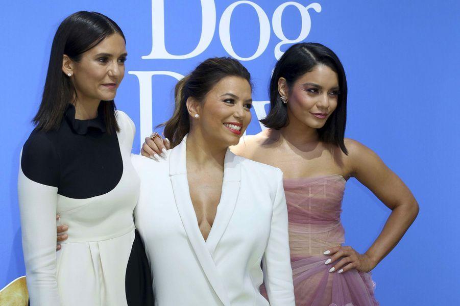 """Nina Dobrev, Eva Longoria et Vanessa Hudgens à l'avant-première de """"Dogs Day"""" à Los Angeles, dimanche 5 août"""