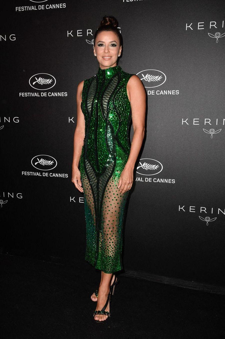 """Eva Longoria lors du dîner """"Kering Women In Motion"""" à Cannes, le 19 mai 2019"""