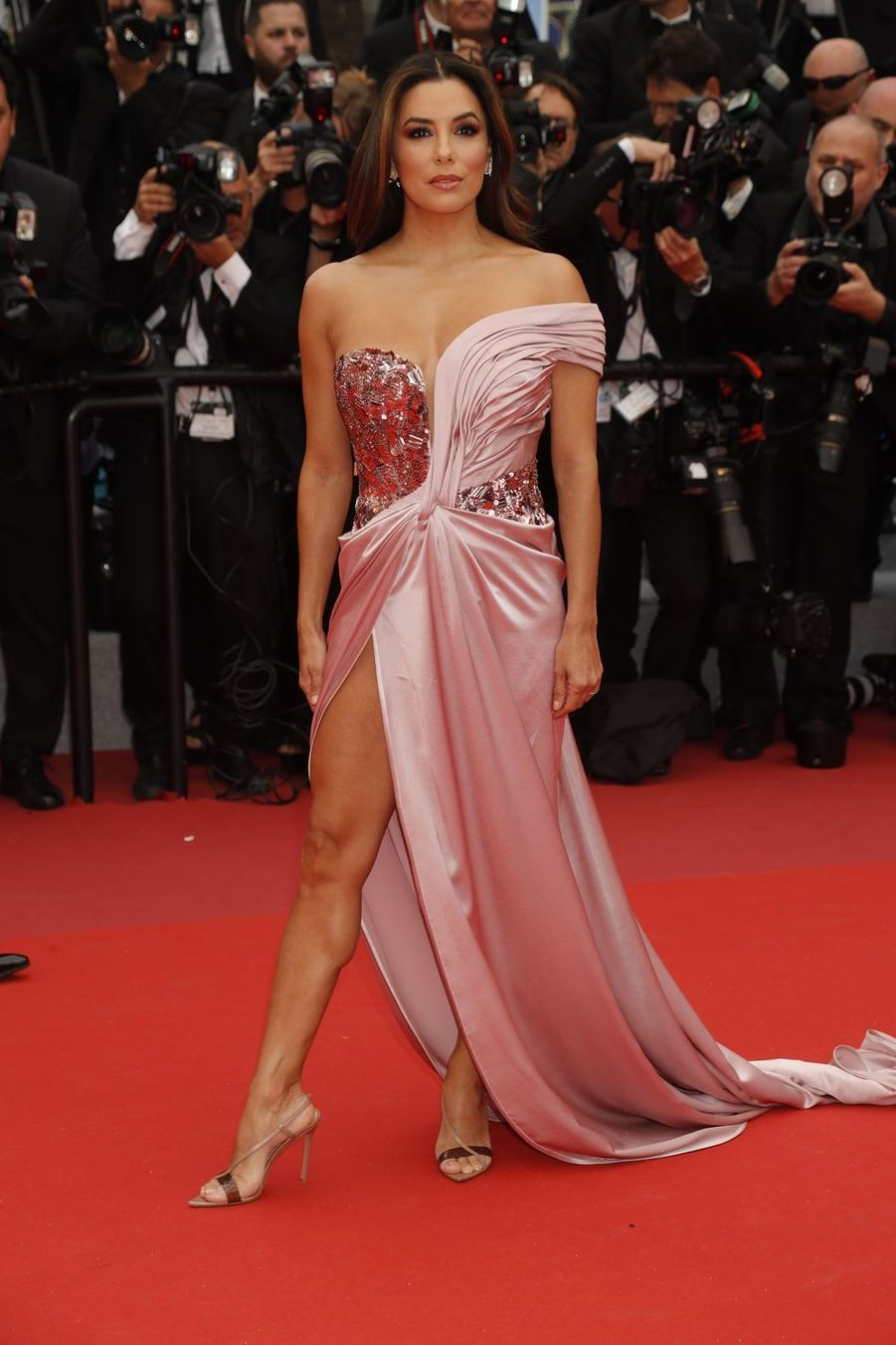 "Eva Longoria lors de la projection du film ""The Dead don't Die"" à Cannes, le 14 mai 2019"