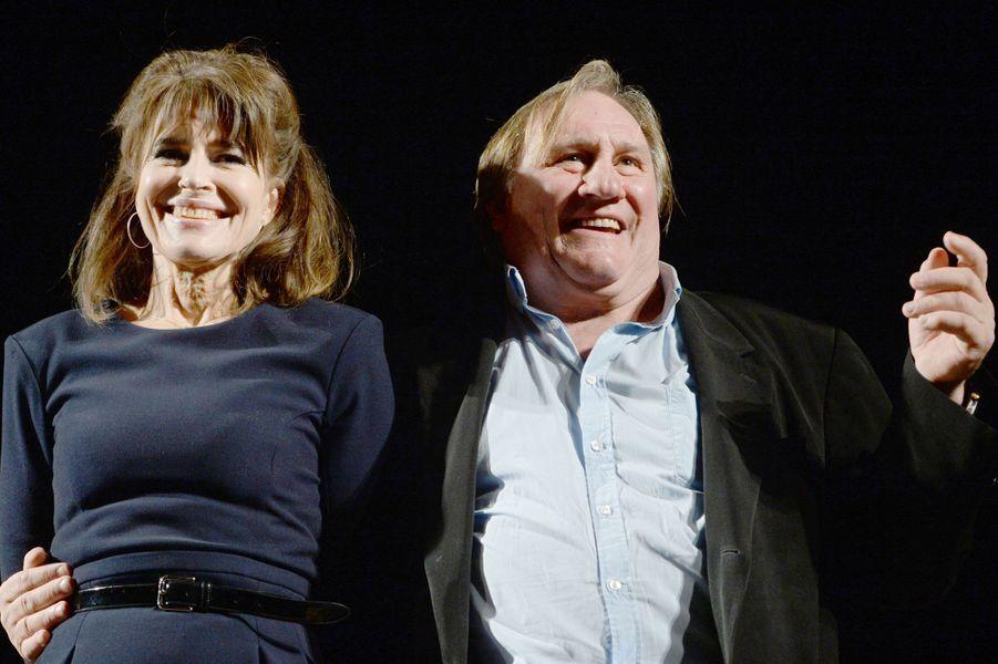 """Fanny Ardant et Gérard Depardieu après une représentation de """"La Musica deuxième"""" à Moscou en 2015."""