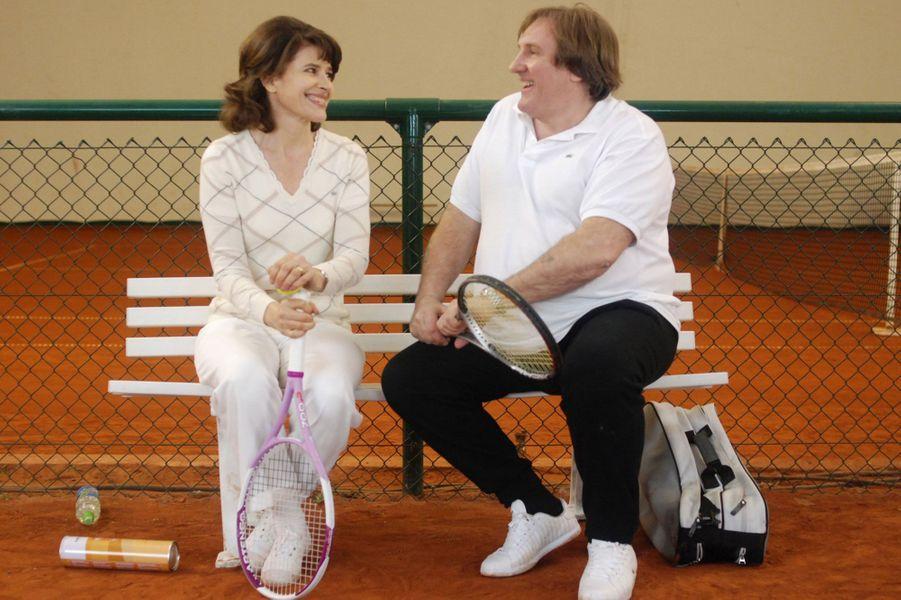 """Fanny Ardant et Gérard Depardieu sur le tournage de """"Hello Goodbye"""" en 2008."""