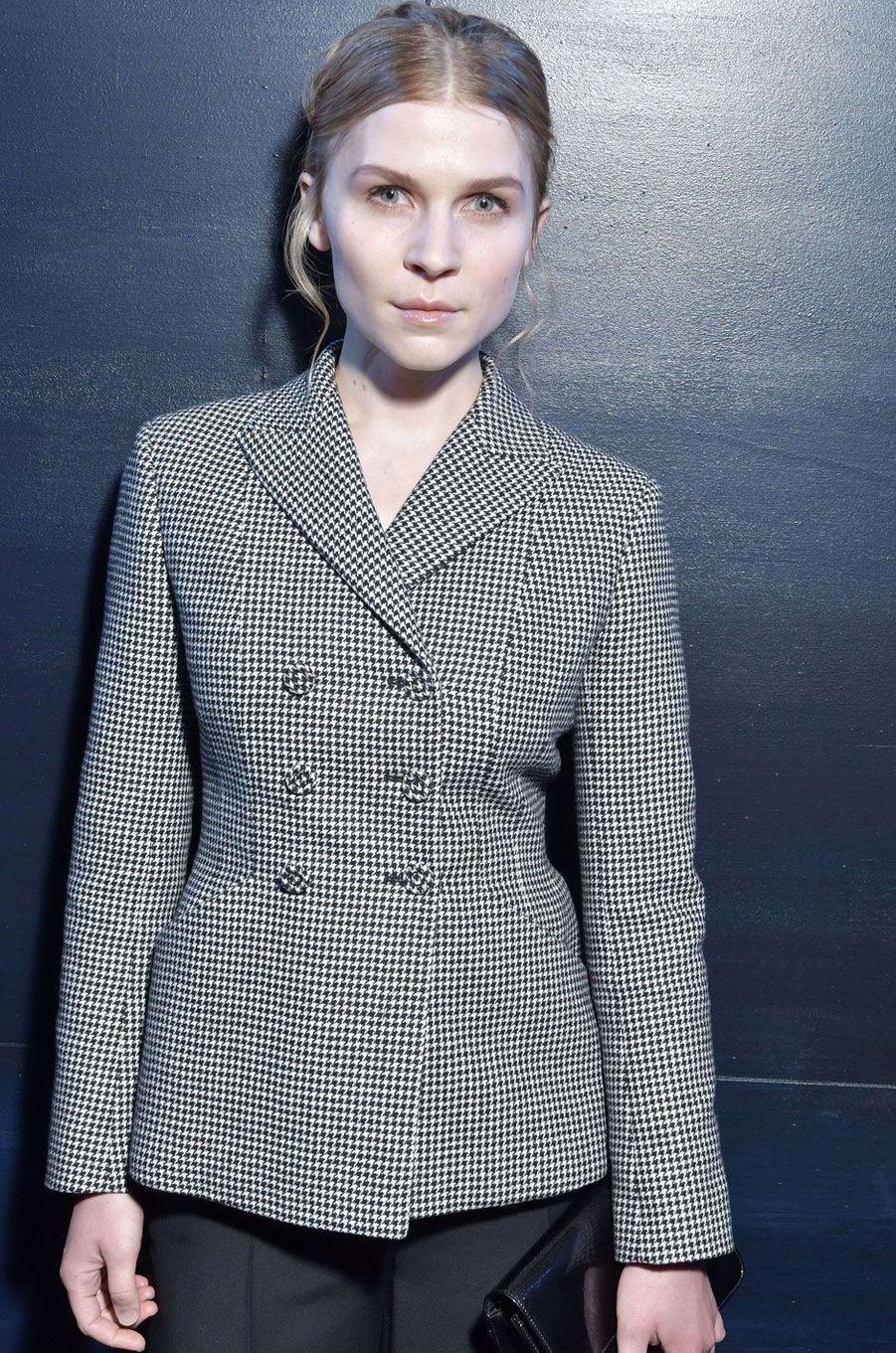 Clémence Poesy au défilé Dior à la Paris Fashion Week.