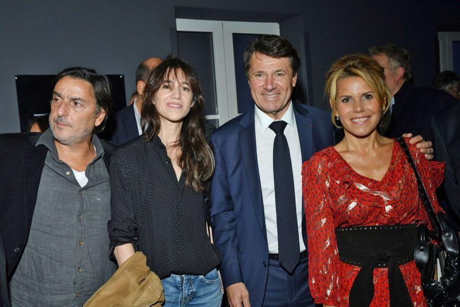 Yvan Attal, Charlotte Gainsbourg, le maire de Nice Christian Estrosi,et sa femme Laura Tenoudji.