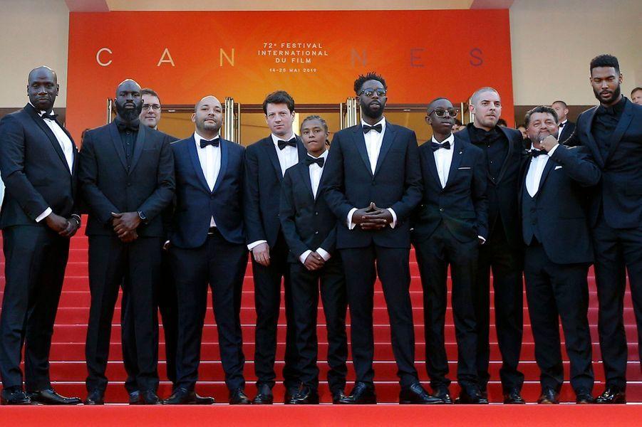 Ladj Ly (au centre) et le casting des «Misérables».