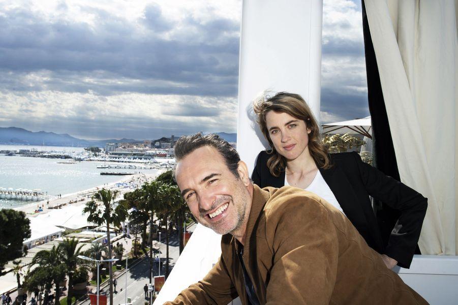 A la Terrasse by Albane, le 15 mai. Dans « Le daim » qui a ouvert la Quinzaine des réalisateurs, Dujardin incarne un psychopathe en puissance face à Adèle Haenel, une serveuse gentiment toquée.