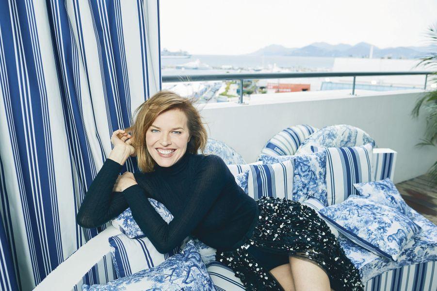 Eva Herzigova égérie du soin Dior, toute en Dior, à l'hôtel Majestic.