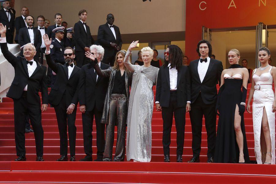L'équipe du film «The Dead Don't Die» de Jim Jarmuschlors de la montée des marches du film «The Dead Don't Die» lors du 72e Festival de Cannes le 14 mai 2019