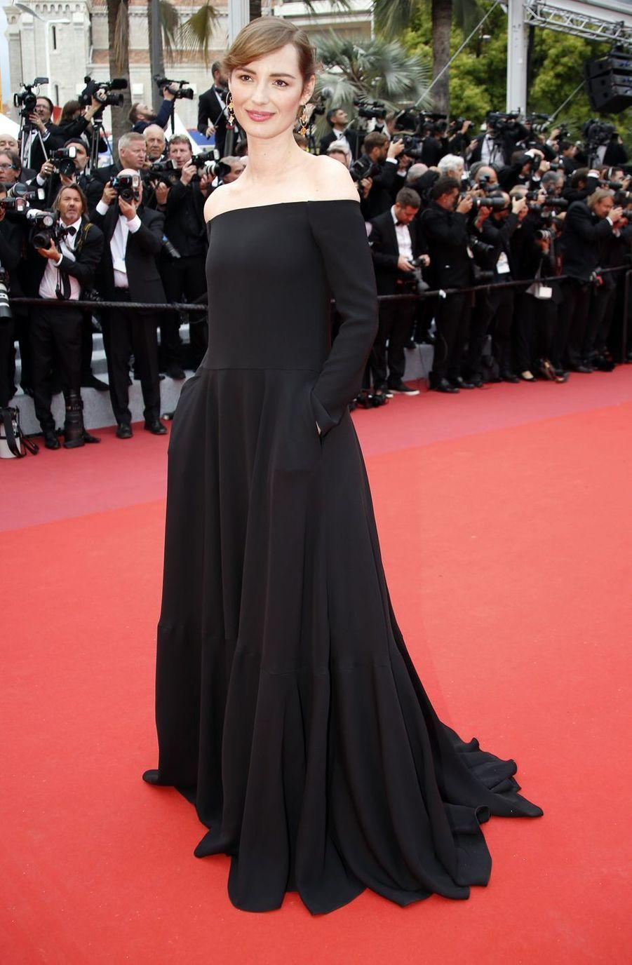Louise Bourgoinlors de la montée des marches du film «The Dead Don't Die» lors du 72e Festival de Cannes le 14 mai 2019