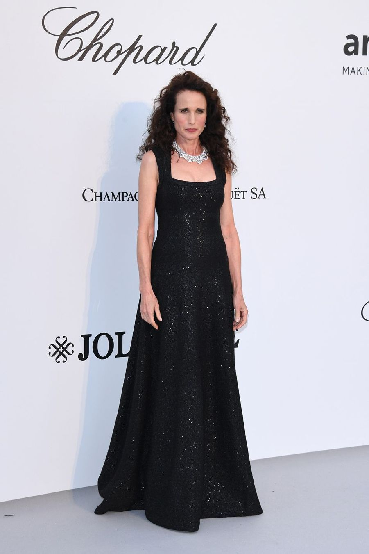 Andie MacDowell au gala de l'amfAR à Antibes en marge du Festival de Cannes le 23 mai 2019