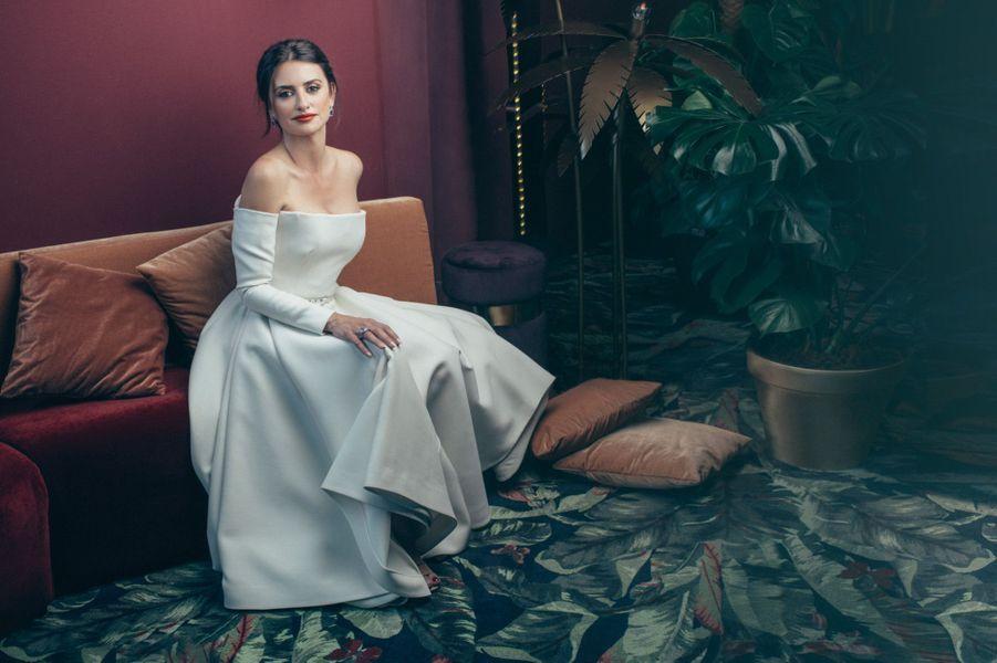 Penélope Cruz, en robe Dior et bijoux Atelier Swarovski, pour le déjeuner Swarovski sur la terrasse du Club by Albane, le 10 mai.
