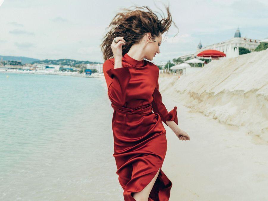 Le 9 mai, Louise Bourgoin, jogging chic pour la nouvelle égérie L'Oréal.