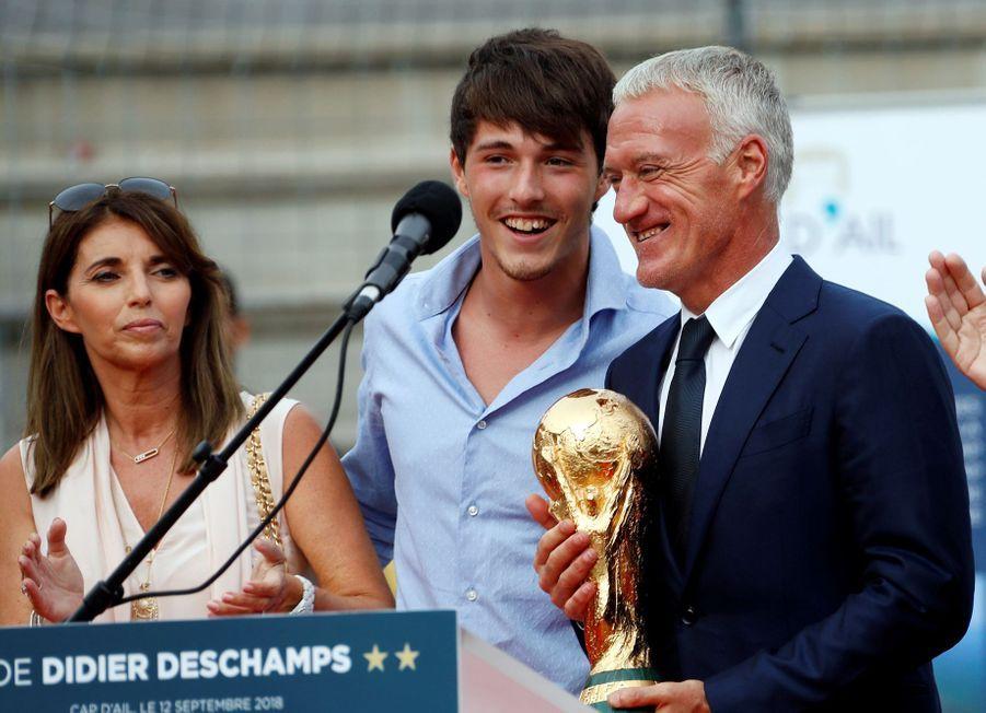 Didier Deschamps, sa femme Claude et leur fils Dylan au Cap d'Ail, le 12 septembre 2018