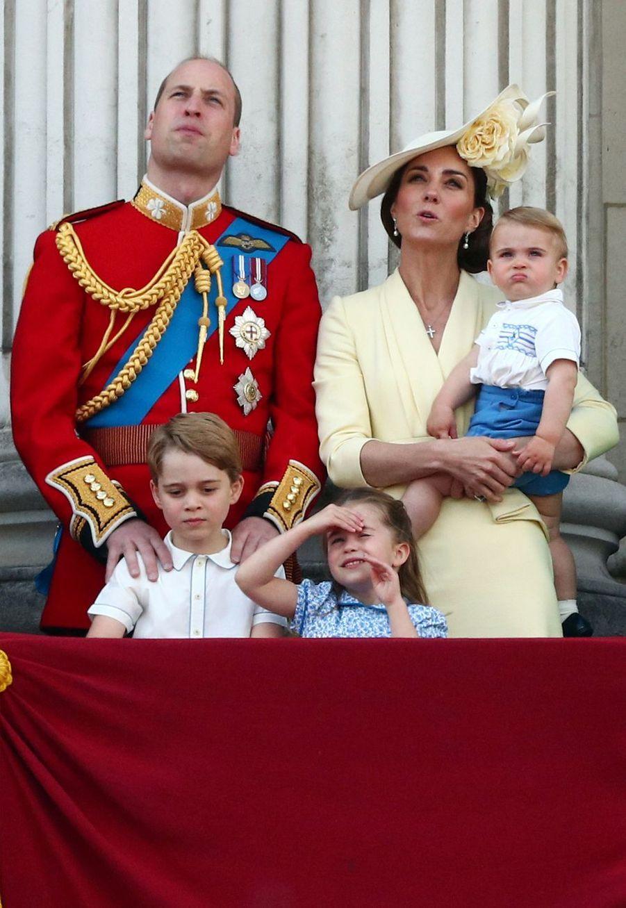 Le prince William, Kate Middleton et leurs trois enfants George, Charlotte et Louis à Londres, le 8 juin 2019
