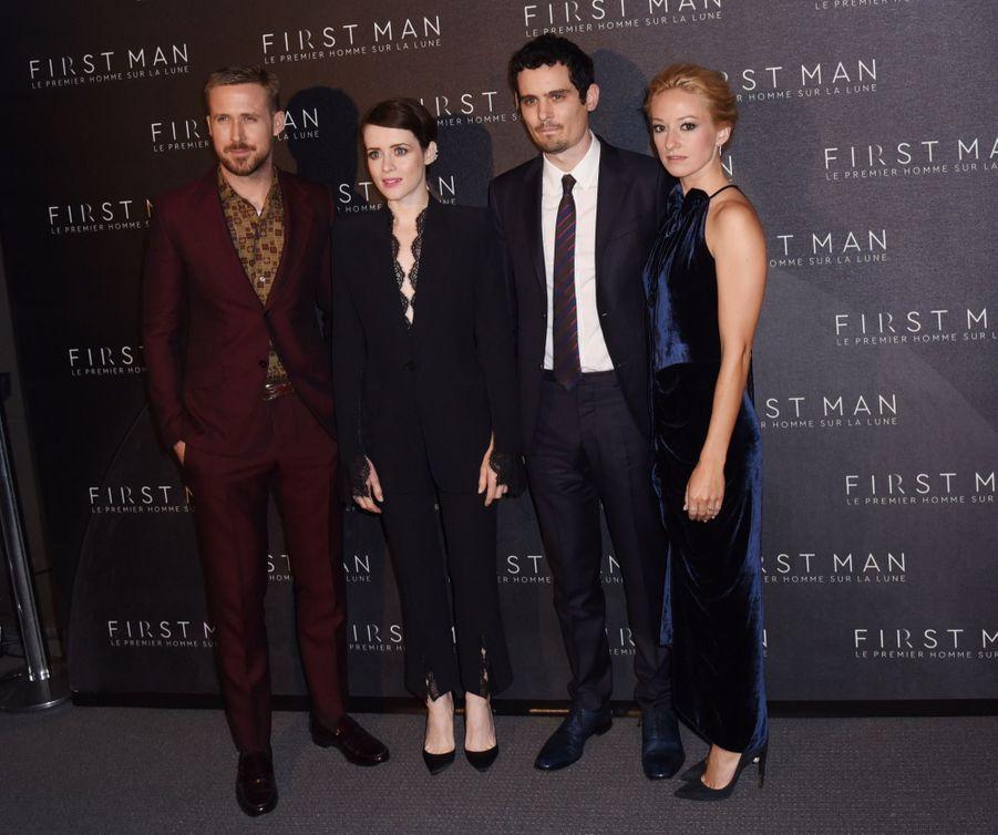 """L'équipe de """"First Man"""" -Ryan Gosling, Claire Foy, Damien Chazelle et Olivia Hamilton- était à Paris, mardi, pour présenter le film consacré à Neil Armstrong."""