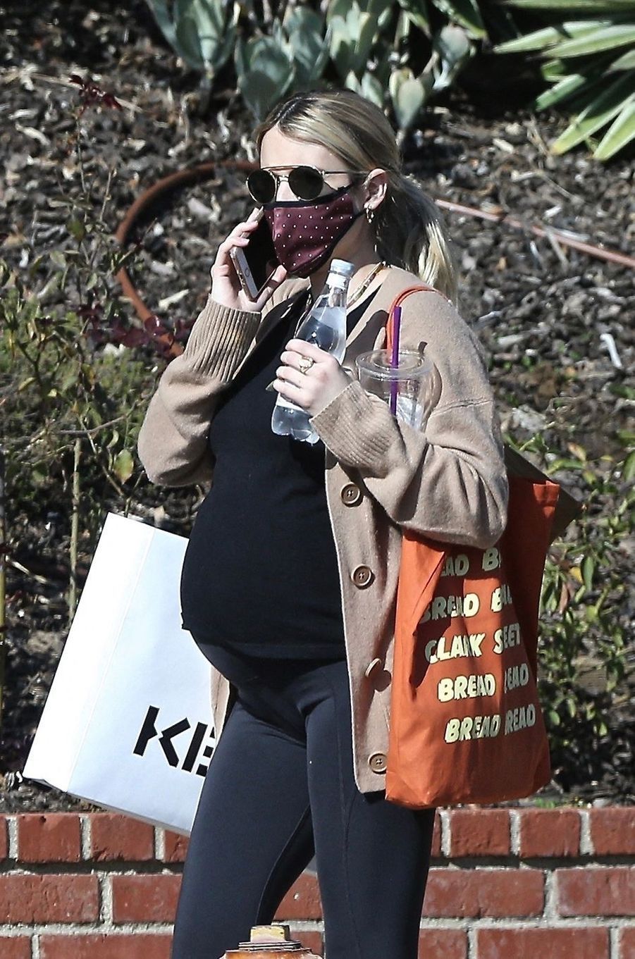 Emma Robertsà Los Angeles le 19 novembre 2020