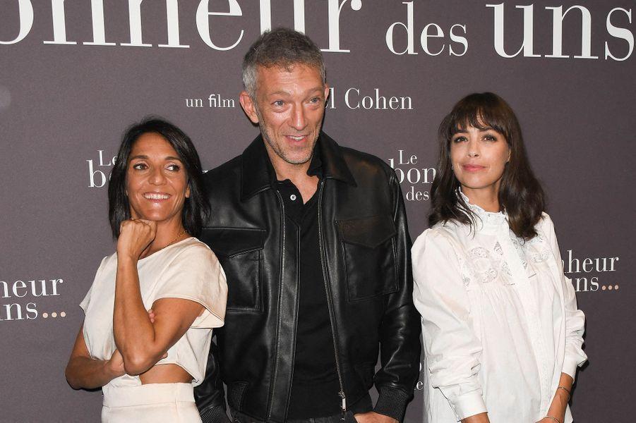 Florence Foresti, Vincent Cassel et Bérénice Béjo à l'avant-première du film «Le Bonheur des uns...» au cinéma Pathé Opéra Premier à Paris, le 8 septembre 2020