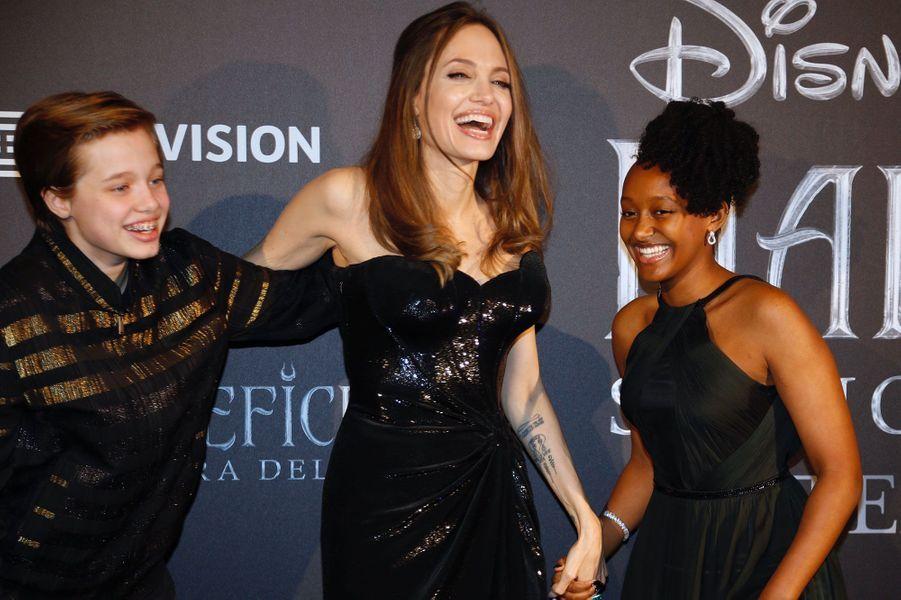Angelina Jolie avec ses filles Shiloh et Zahara, à Rome