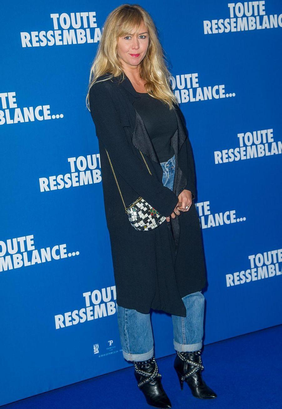 """Enora Malagrélorsde l'avant-première du film """"Toute ressemblance..."""" au cinéma UGC Ciné Cité Les Halles à Paris, le lundi 25 novembre 2019."""