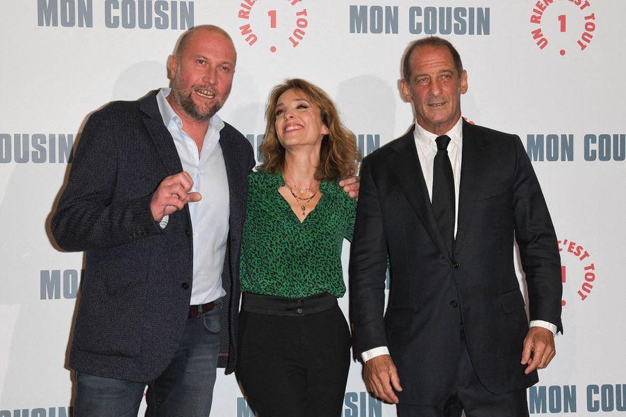 François Damiens, Alix Poisson et Vincent Lindonà l'avant-première du film«Mon Cousin» au Grand Rex à Paris le 28 septembre 2020