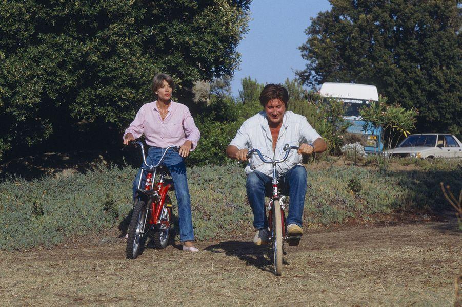 Jacques Dutronc et Françoise Hardy posent pour Paris Match.