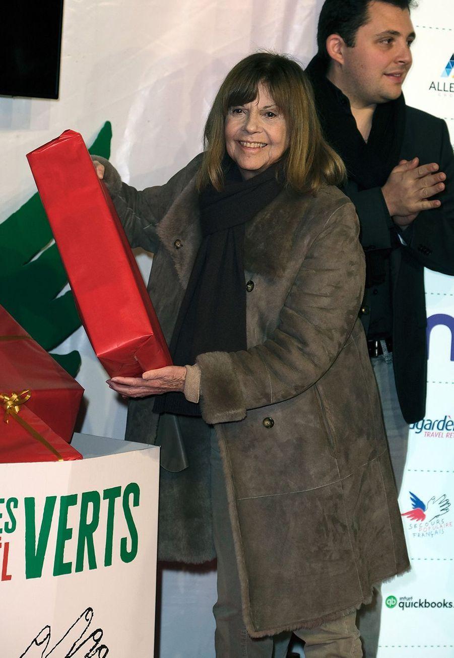 """Chantal Goyalors du lancement officiel des """"Pères Noël Verts"""" du Secours Populaire à Paris le 25 novembre 2019."""