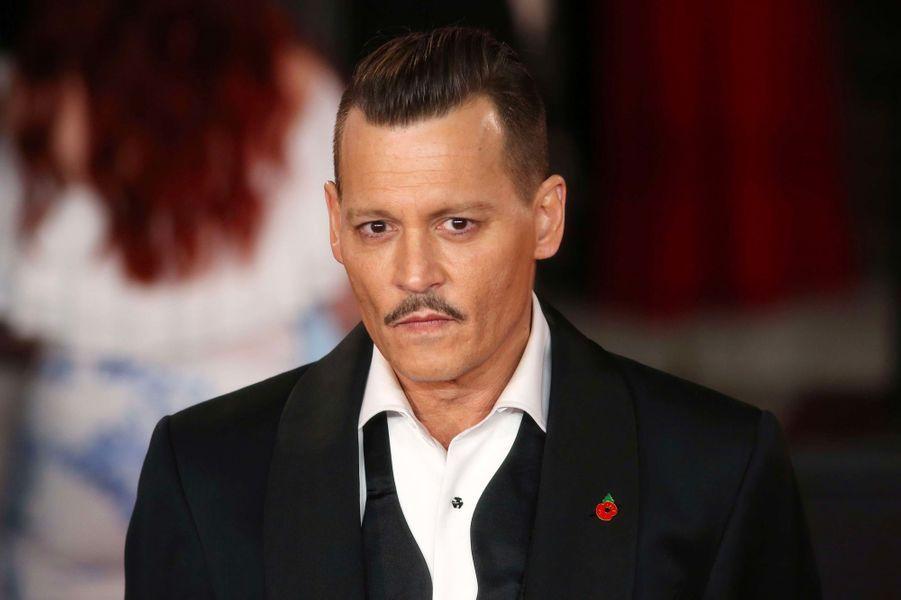 5. Johnny Depp – 1,1 milliard de dollars