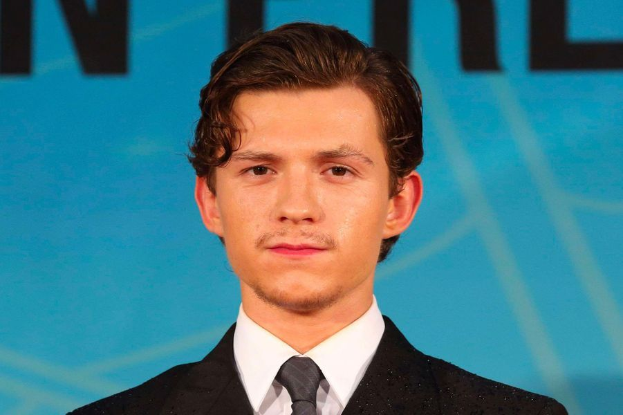 7. Tom Holland – 888 millions de dollars