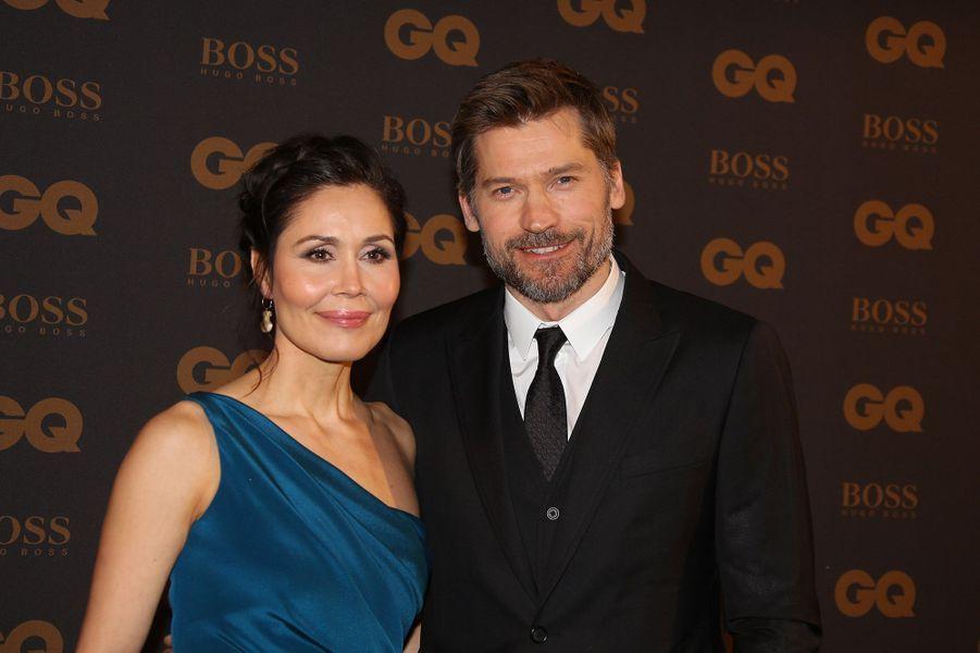 Nikolaj Coster-Waldau est marié depuis 1998 avec Nukaka Motzfeld, une chanteuse et ancienne Miss Groenland