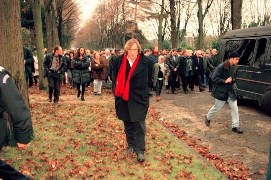 Gérard Depardieu à l'enterrement de Barbara