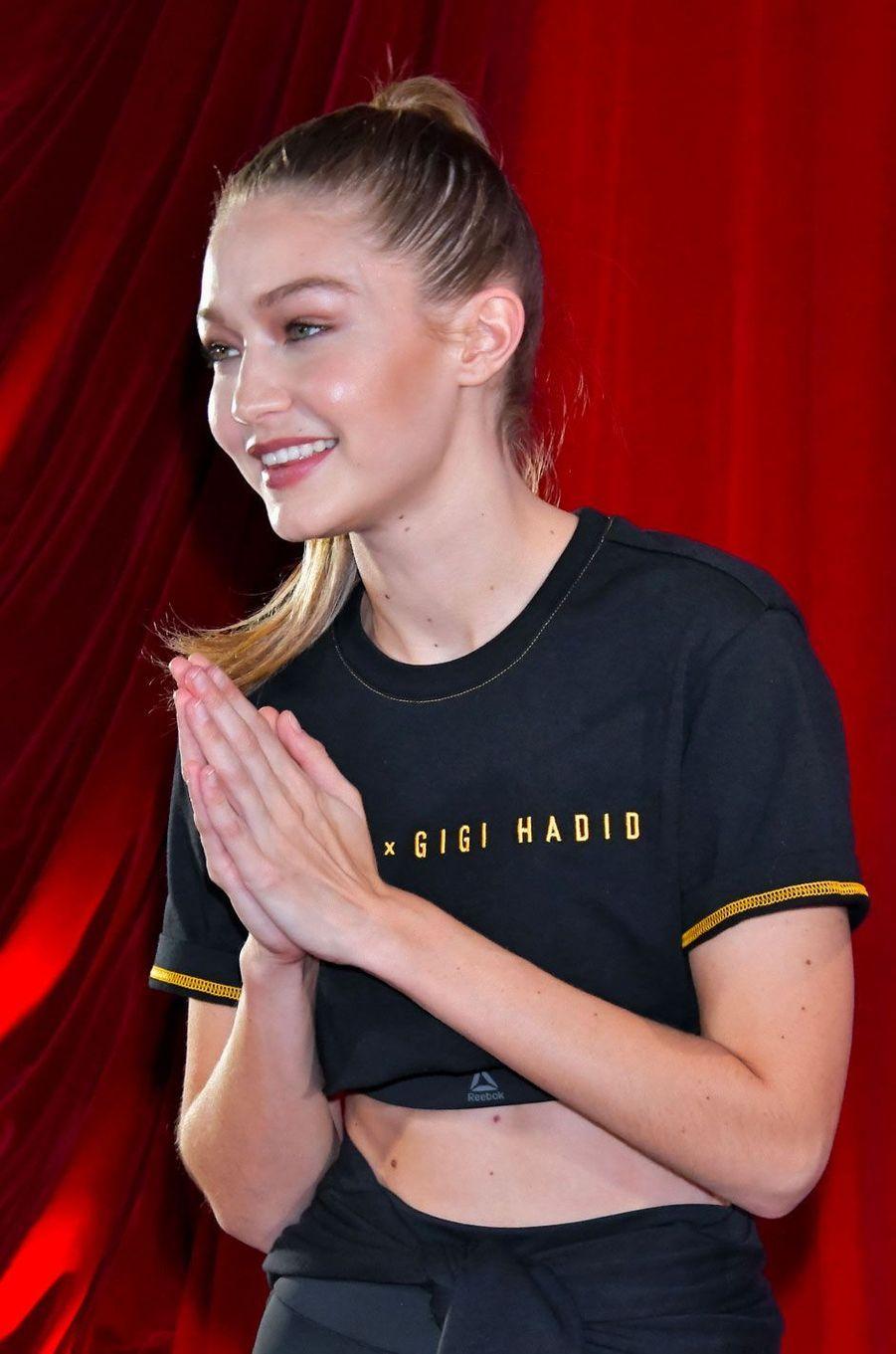 Gigi Hadid à Tokyo le 14 novembre 2018