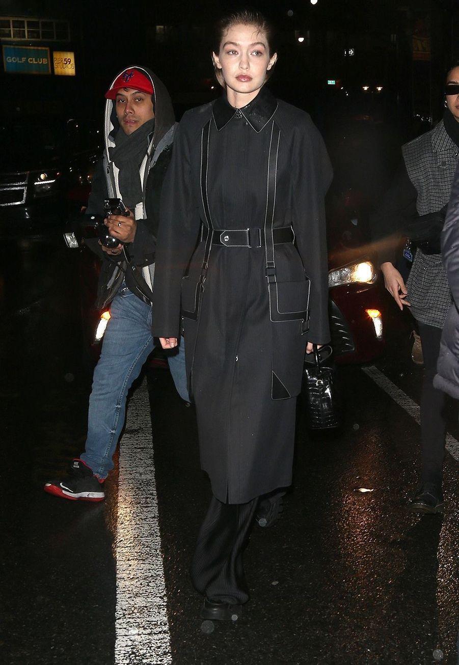 Gigi Hadid arrive au défiléProenza Schouler lors de la Fashion Week à New York, le 10 février 2020.