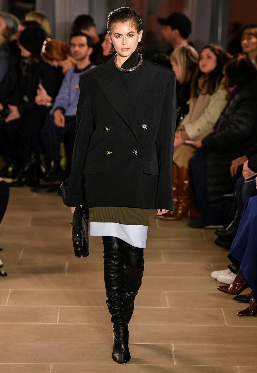 Kaia Gerberdéfile pourProenza Schouler lors de la Fashion Week à New York, le 10 février 2020.