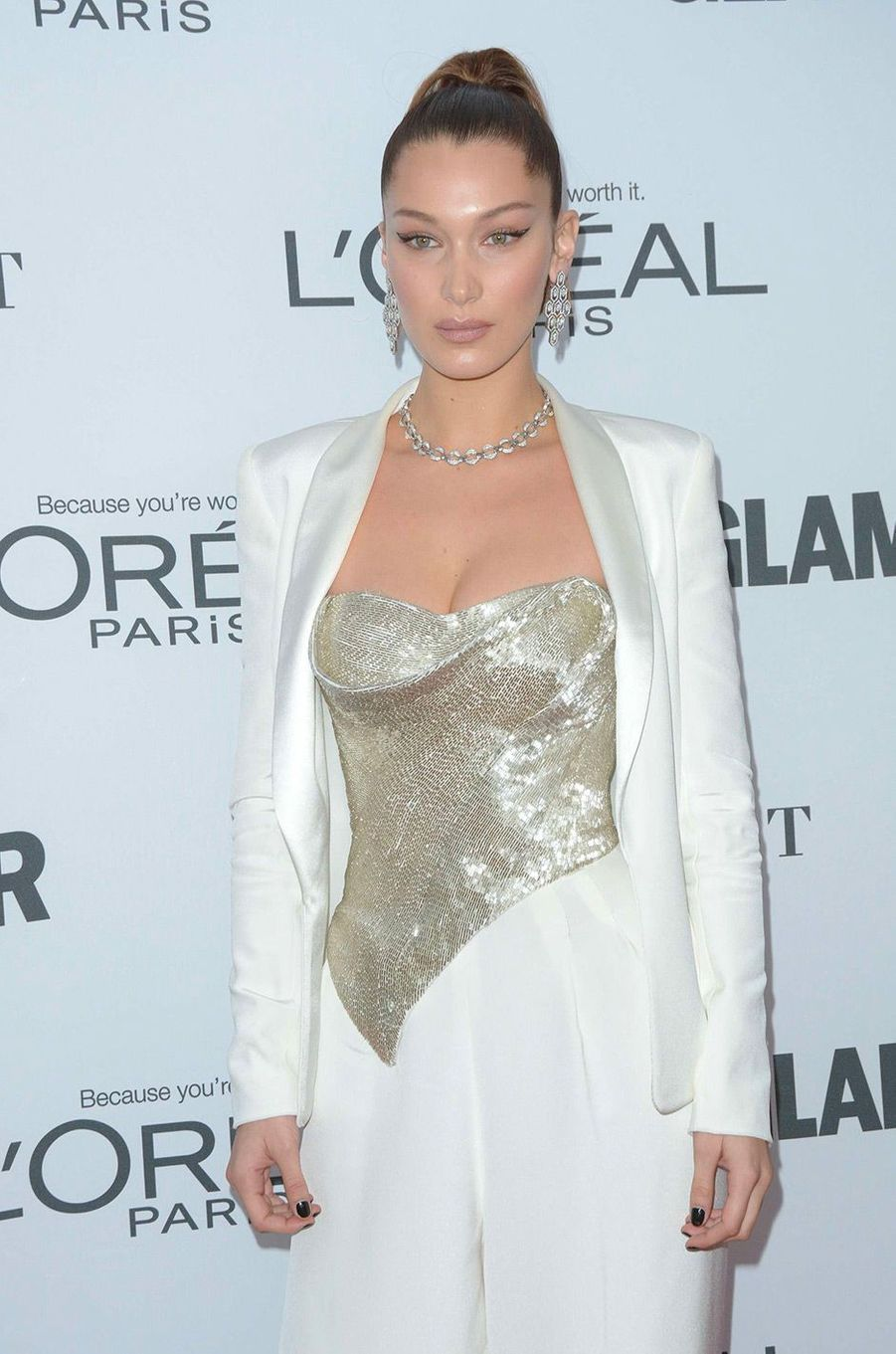 Bella Hadid aux Glamour Women of the Year Awards
