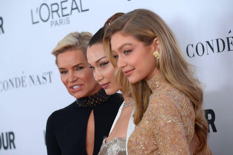 Yolanda Hadid et ses filles Bella et Gigi aux Glamour Women of the Year Awards