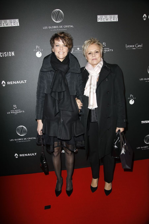 Anne Le Nen et Muriel Robin sur le tapis rouge de la 14e édition des Globes de Cristal à Paris le 4 février 2019