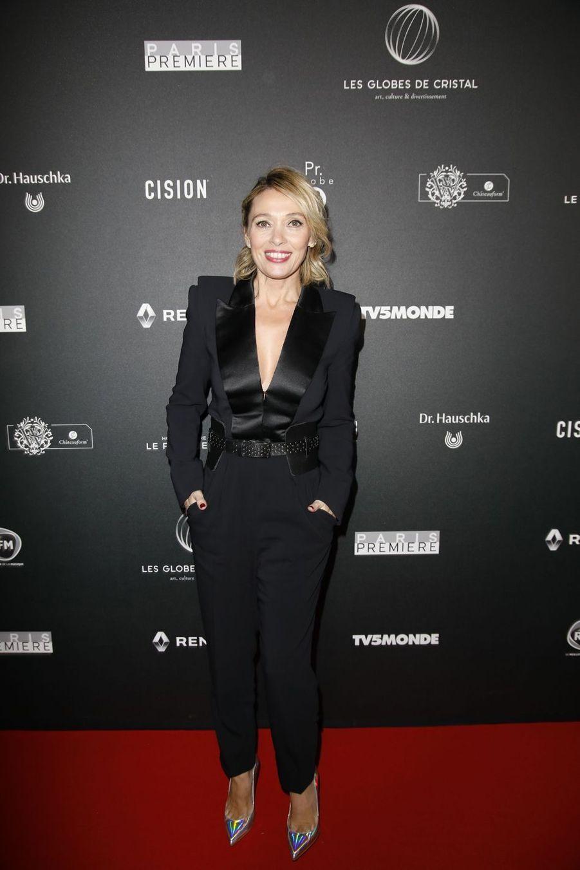 Anne Marivin (en tenue Azzaro)sur le tapis rouge de la 14e édition des Globes de Cristal à Paris le 4 février 2019