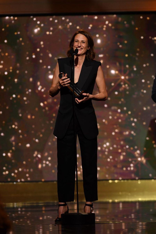 """Camille Cottin (meilleure actrice de fiction télévisée dans """"Dix pour cent"""")à la 14ème cérémonie des Globes de Cristal, à la salle Wagram à Paris, le 4 février 2019"""