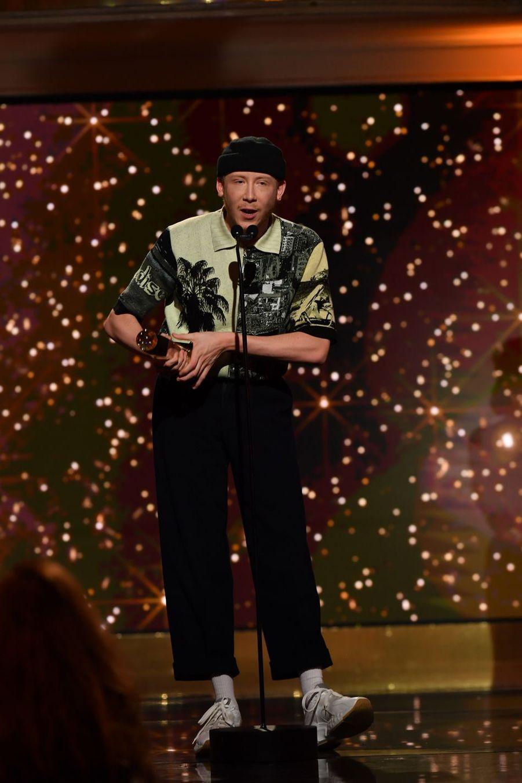 """Eddy de Pretto (meilleur album et meilleur interprète masculin pour """"Cure"""")à la 14ème cérémonie des Globes de Cristal, à la salle Wagram à Paris, le 4 février 2019"""