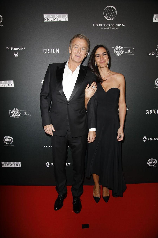 Franck Dubosc et sa femme Danièlesur le tapis rouge de la 14e édition des Globes de Cristal à Paris le 4 février 2019