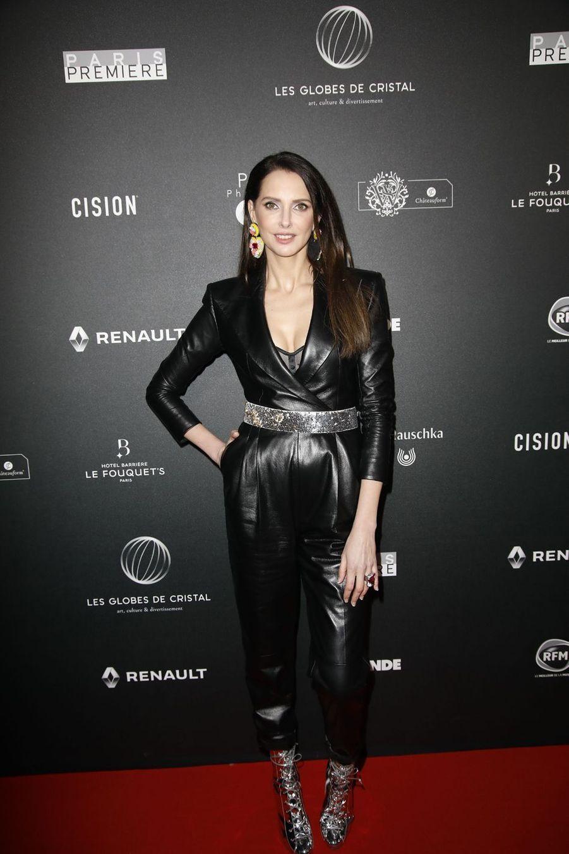 Frédérique Belsur le tapis rouge de la 14e édition des Globes de Cristal à Paris le 4 février 2019