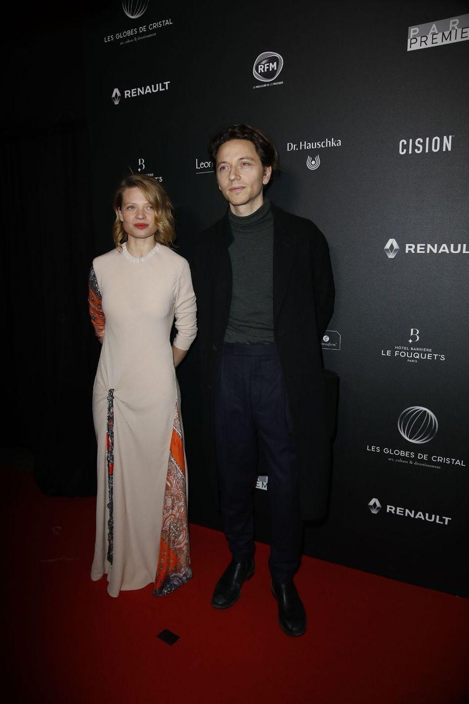 Mélanie Thierry et Raphaëlsur le tapis rouge de la 14e édition des Globes de Cristal à Paris le 4 février 2019