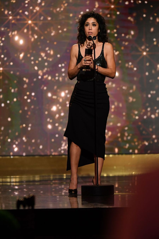 """Naidra Ayadi (meilleure comédienne dans """"Justice"""")à la 14ème cérémonie des Globes de Cristal, à la salle Wagram à Paris, le 4 février 2019"""
